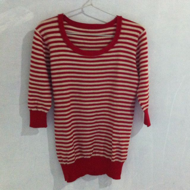 [Preloved] Sweater Stripes Merah