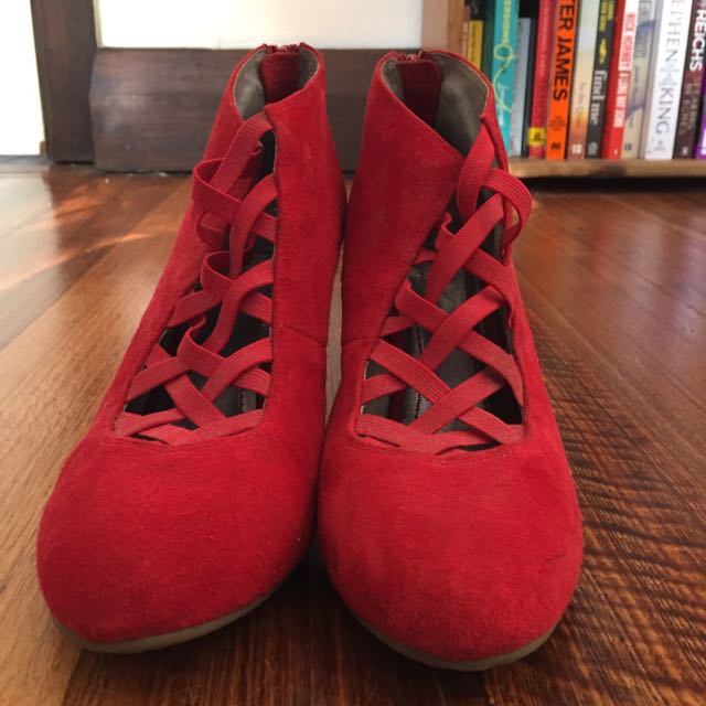 Size 38 Red Nü Shoes