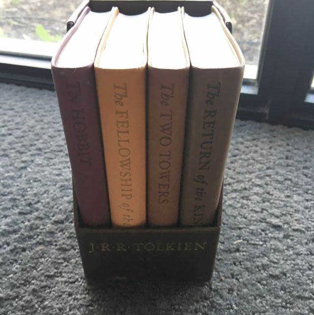 The Hobbit & The Lord Of The Rings Book Collection J R R Tolkien