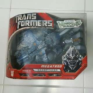 Transformers Takara Voyager Class Megatron