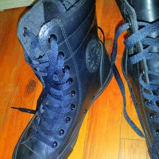 CONVERSE BOOTS size Us 8