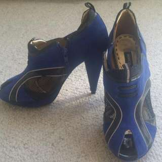 Mimco Electric Blue Heels With Mesh On The Side