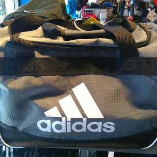 Adidas籃球側背包