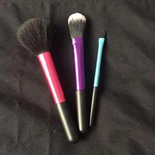 3 X Makeup Brushes