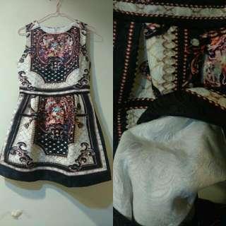 華麗宮廷印花洋裝