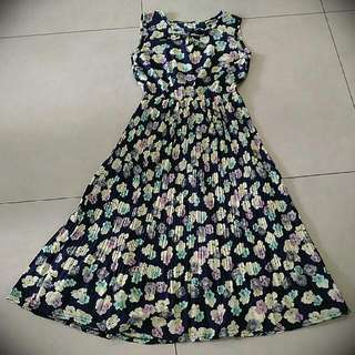 [Preloved] Floral Pleated Midi Dress