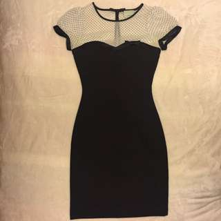 REVIEW Black Dress