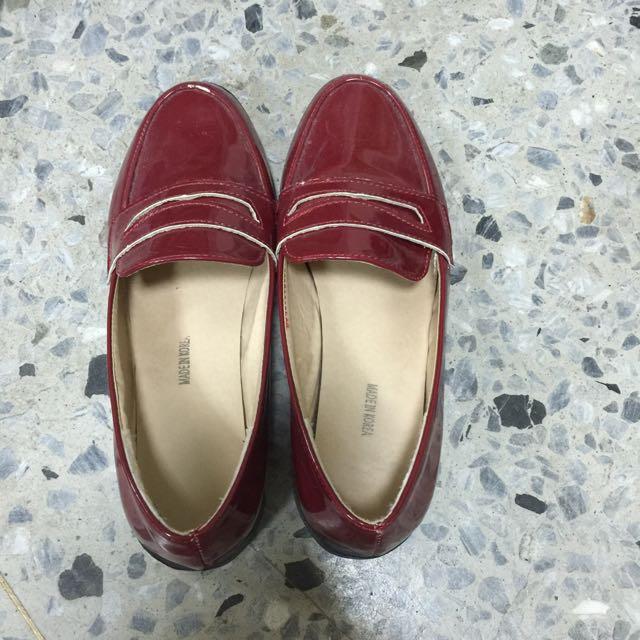 紅色漆皮樂福跟鞋