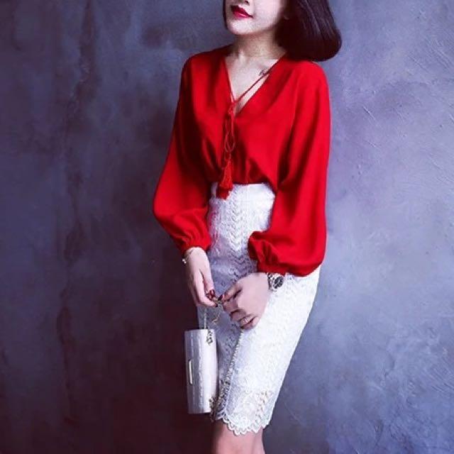 韓 氣質 紅色上衣 白色蕾絲裙 全新 s號
