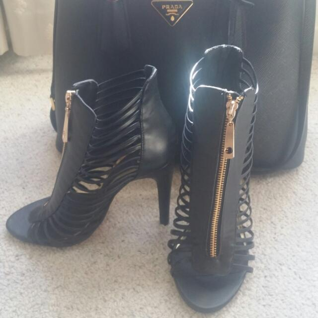 Black And Gold Zipped Heels