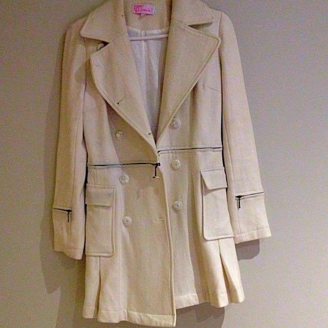 Gasp White Silk Liked Winter Coat