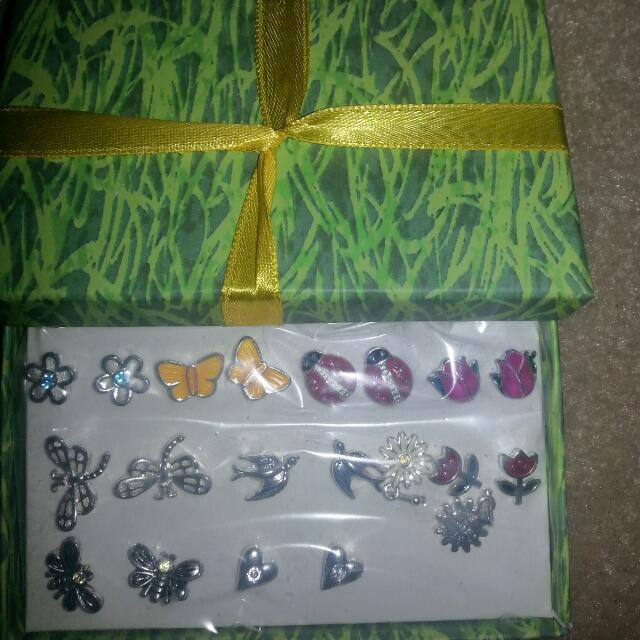 Girls Set Of Earrings