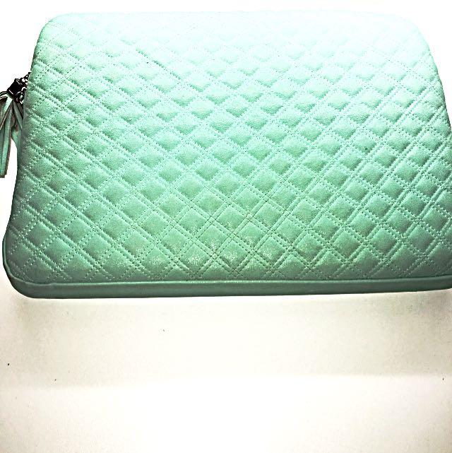 New Typo Laptop Bag/cover