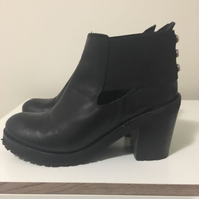 Ladies black ankle Boot