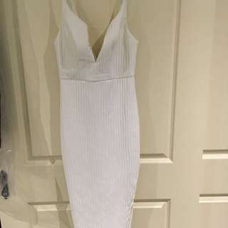 White Dress Size 6. Worn Once