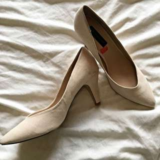Forever New Beige Heels Size 40
