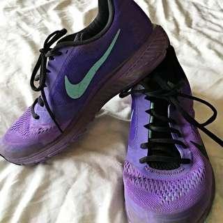 Nike Runners Size 9