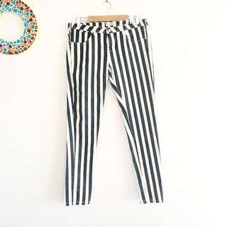🌸 Black And White Striped Jeans