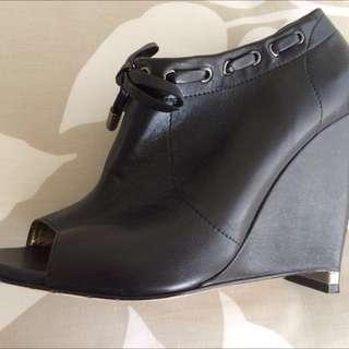 Mimco Black Leather Peep Toe Bootie Heels Size 40 Or Aus 9