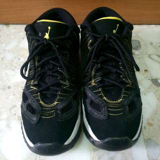Nike Air Jordan 11 Low IE US6Y