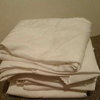 Round Table Cloth (x8)