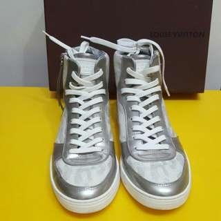Louis Vuitton Sneaker 正品 非常新淨