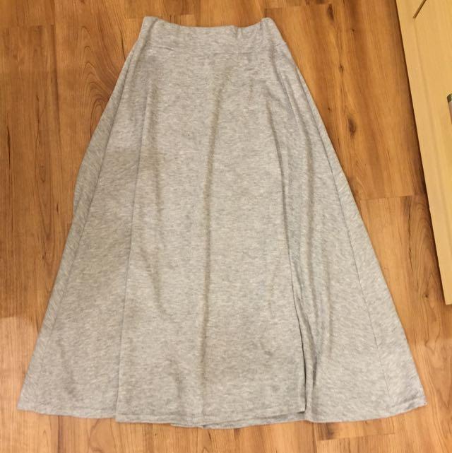 灰色傘狀綿長裙