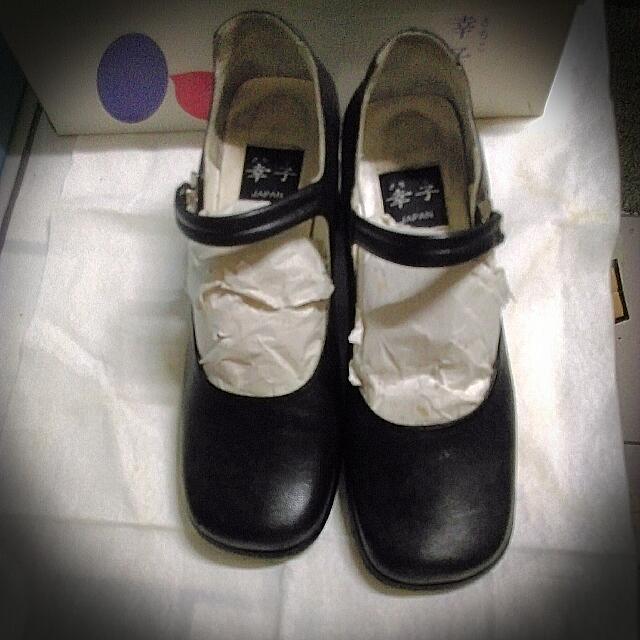 黑色短跟真皮淑女鞋
