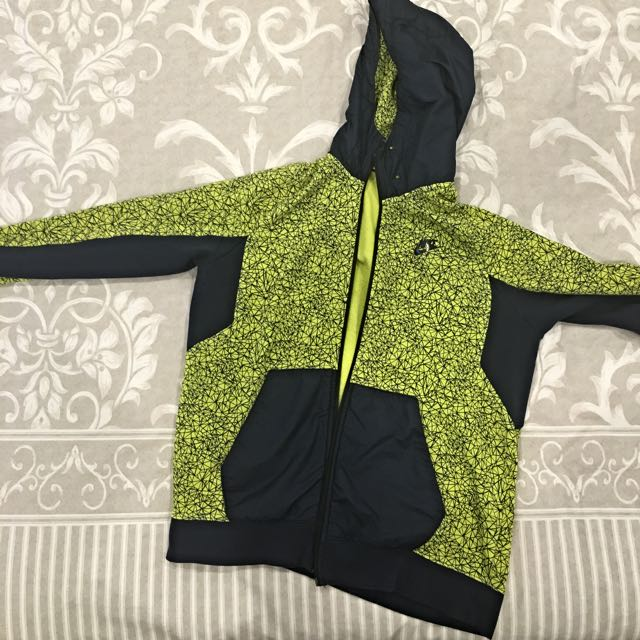 Air Max Nike Jumper Size M