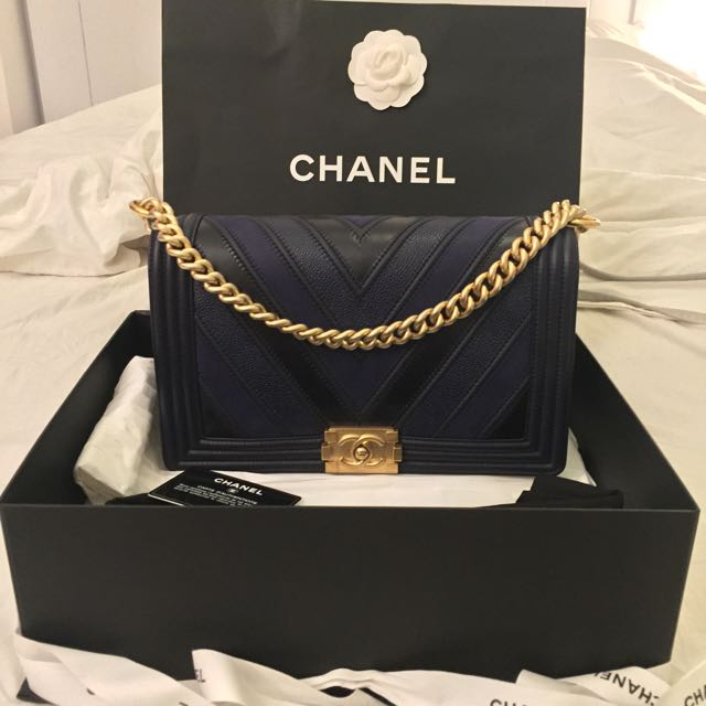 bbf7b3d0f044 [BNIB] 💥FAST DEAL ONLY $7000💥 LIMITED EDITION Chanel Boy Chevron Quilted Flap  Bag, Luxury on Carousell