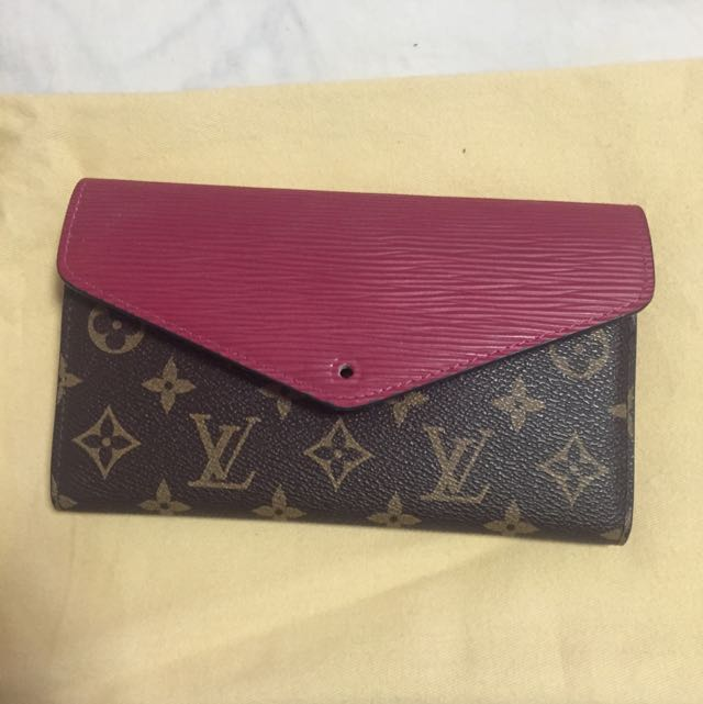 Louis Vuitton. Wallet
