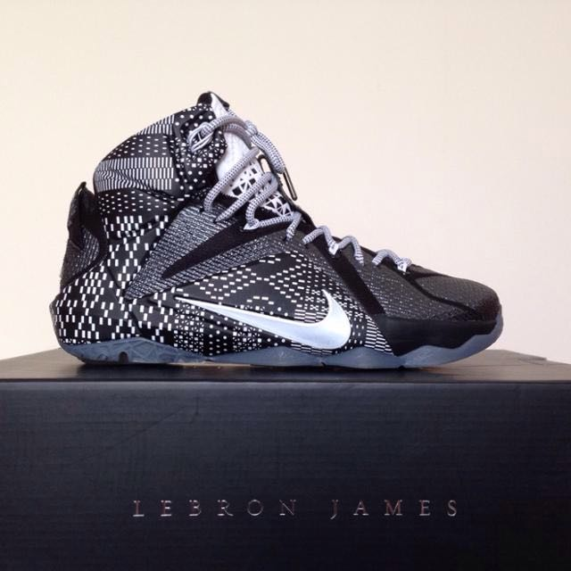 sneakers for cheap 0161b d6ada NIke Lebron James 12 BHM Zoom Air LBJ