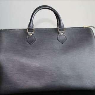 Authentic Louis Vuitton Speedy 40 Epi Black Ghw