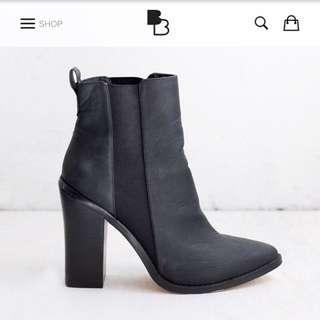 Lipstik MARVELZ Boots Size 9