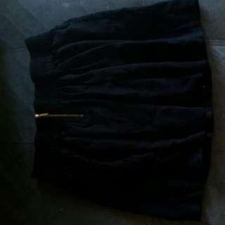 Sportsgirl Black Skirt With Gold Zipper