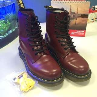 Dr. Martens 經典1460 8孔馬丁靴