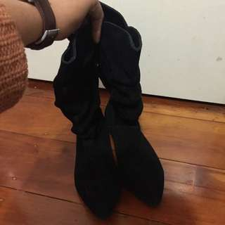 black suede boot - Billabong