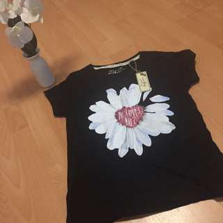 Black Flower T-shirt Size 6/8