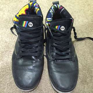 Gravis Leather High Top Boot Size 9