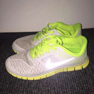 Authentic Nike Freerun 4.0 Running Shoes