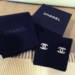 (保留中)Chanel經典雙C水鑽耳環