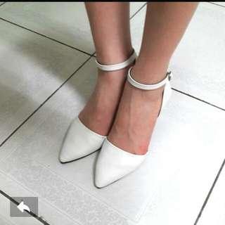低跟 尖頭鞋 白色 23.5 歐美 韓風 俐落好穿搭
