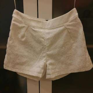 Meier Q 白色短褲