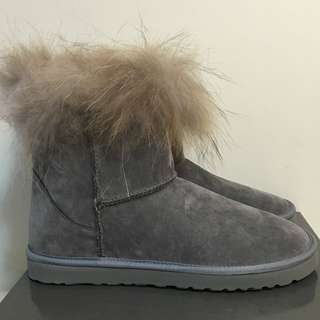 全新 潮牌 CHOICE 女裝 灰色 兔毛 短筒靴 毛毛鞋 絨毛 BOOT 超顯瘦腿 雪靴