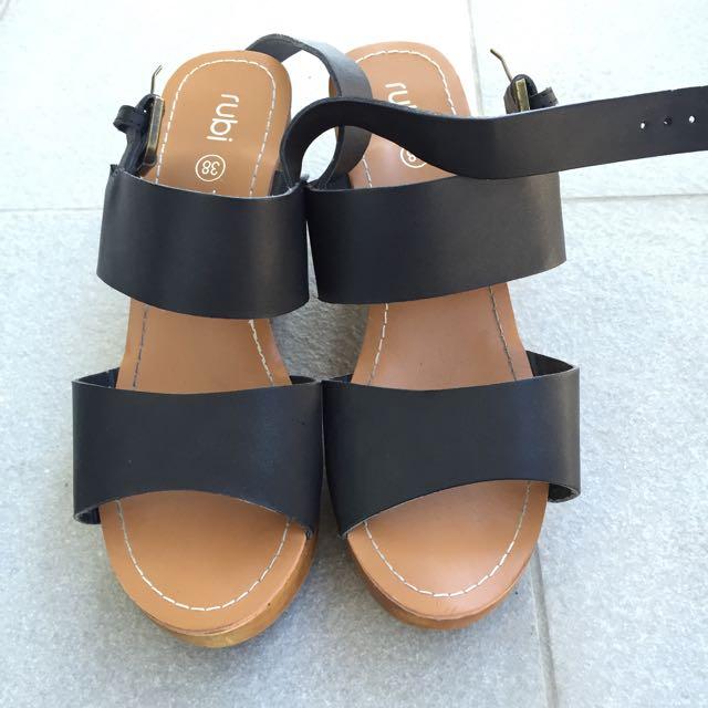 Black Heels Rubi Shoes Size 7