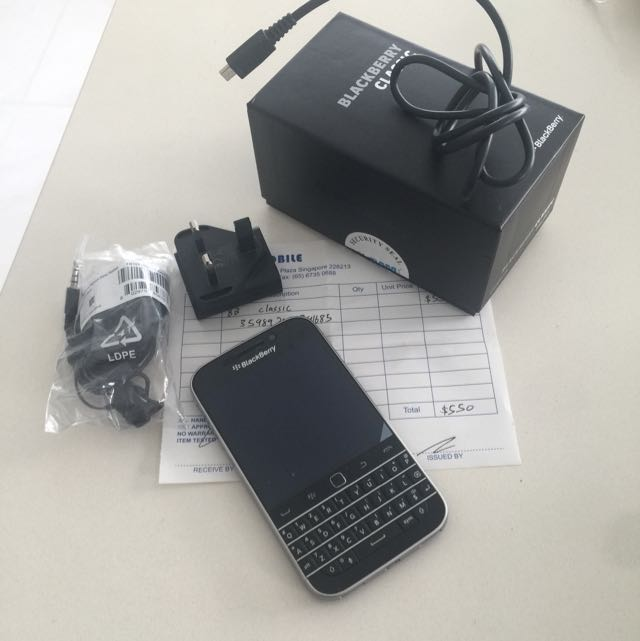 Blackberry Classic Handphone Full Set Electronics On Carousell