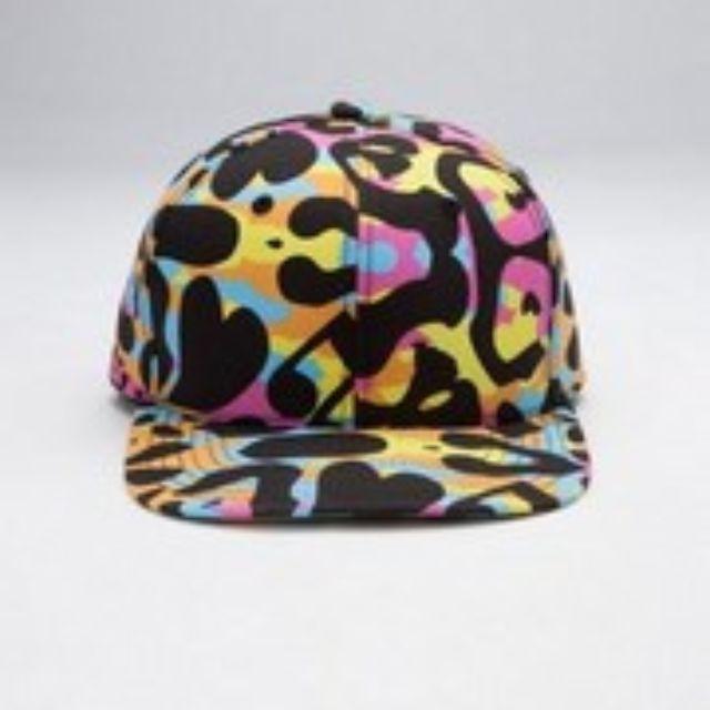 原價1989元/全新現貨/蕭亞軒設計品牌Carry Me彩色豹紋帽(贈同款同花色質感束口袋)