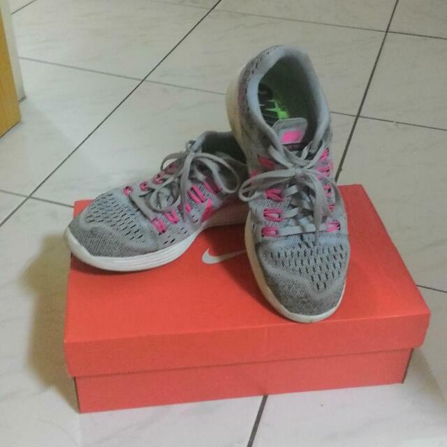 Nike 女慢跑鞋
