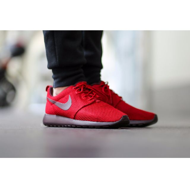 hot sale online 7ef19 df713 Nike Roshe Run Gym red Deep Burgundy  511881-660 , Sports on Carousell