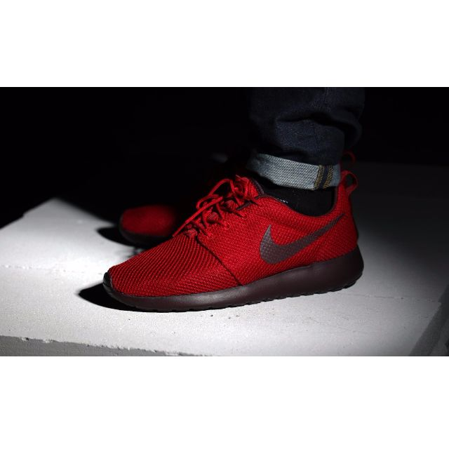 sale retailer b39bd f43aa ... Nike Roshe Run Gym red Deep Burgundy 511881-660 , Sports on Carousell  ...